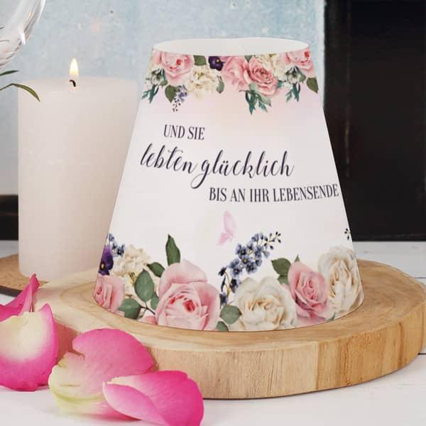 Lampenschirm für Hochzeitstischdeko mit Namen und Datum