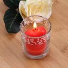 Romantische rote Herz-Kerze im Glas
