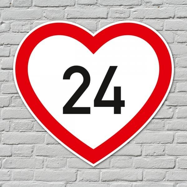 PVC-Schild in Herzform mit Wunschalter