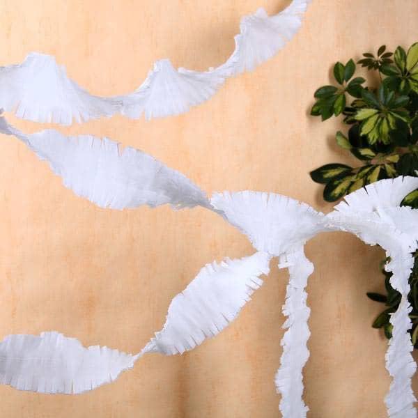 Kreppgirlande zu Hochzeit