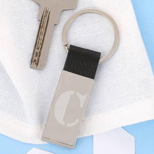 Schlüsselanhänger mit Lederband