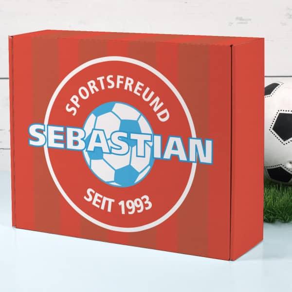 Geschenkkarton in hübscher Fußballoptik