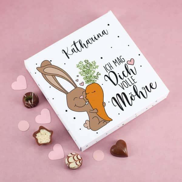 Lindt Pralinen zu Ostern mit personalisiertem Motiv mit Hase und Möhre