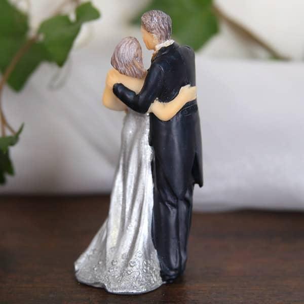 Brautpaar zur silbernen Hochzeit tanzend