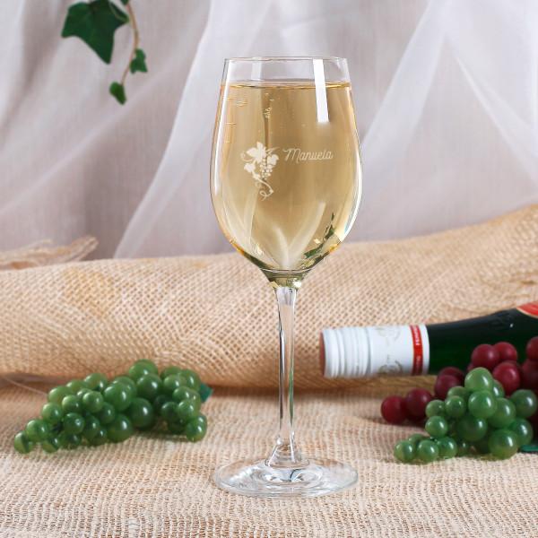Weißweinglas von Leonardo graviert mit Weintraubenranke und Name