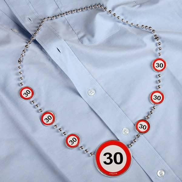 Partykette zum 30. Geburtstag in weiß und rot