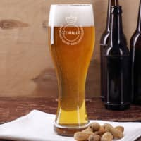 Personalisiertes Weizenbierglas mit Wunschname - König unter den Gastgebern