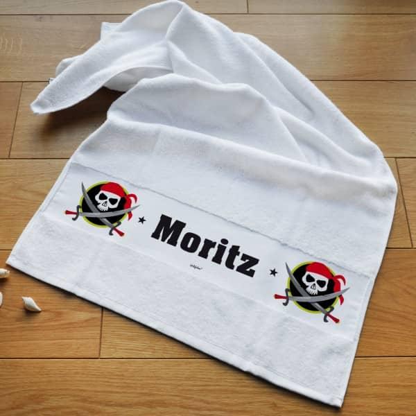 Individuellbadzubehör - Piraten Handtuch mit Namensaufdruck für Kinder - Onlineshop Geschenke online.de