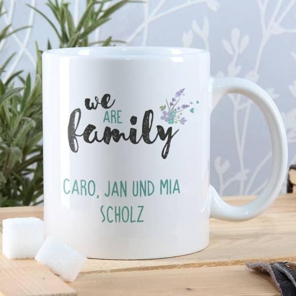 we are family - Tasse mit 2 Zeilen Wunschtext