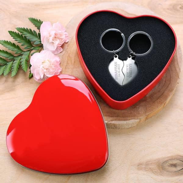 Romantische Herzschachtel mit Schlüsselanhänger