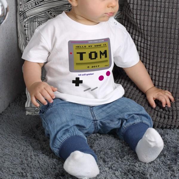 Weißes Baby T Shirt Spielekonsole mit Namensaufdruck