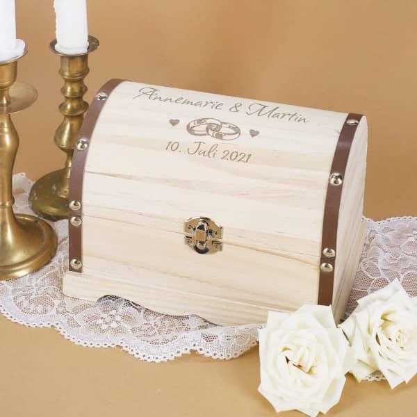 Persönliche Schatztruhe zur Hochzeit mit Gravur
