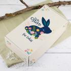 Frohe Ostern - Geschenkbox mit Hase, Blüten, Wunschtext und Holzwolle