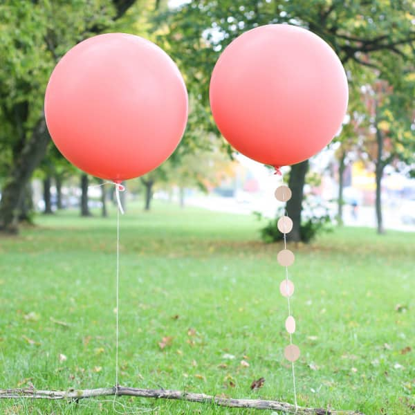 Zwei große Latexballons Coral