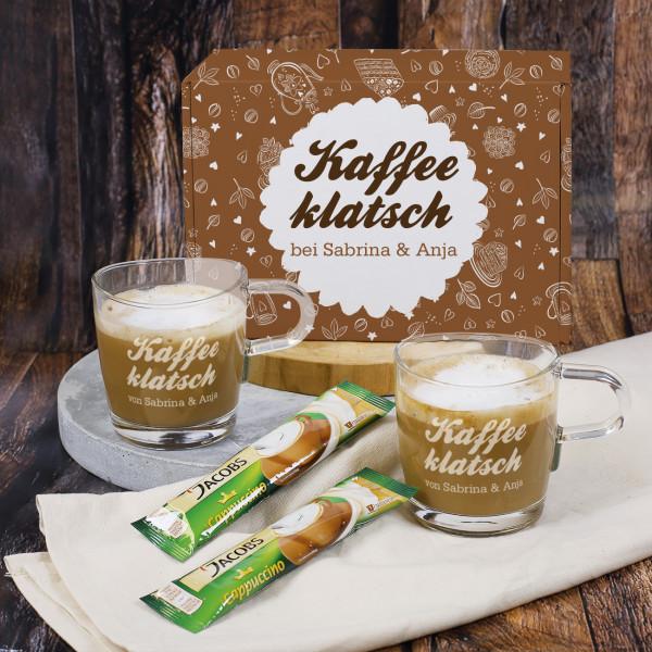Kaffeeklatsch Geschenkset mit Cappucino, zwei gravierten Gläsern und einer bedruckten Geschenkbox