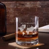 Whiskeyglas mit Weltenbummler Motiv und Namensgravur
