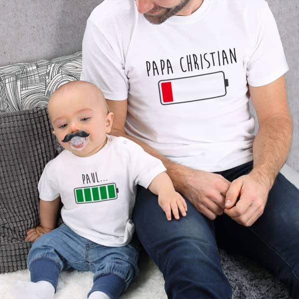 Vater und Baby im Partnerlook mit Akku Shirt