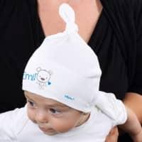 Babymütze für Jungs in Weiß mit Namensaufdruck