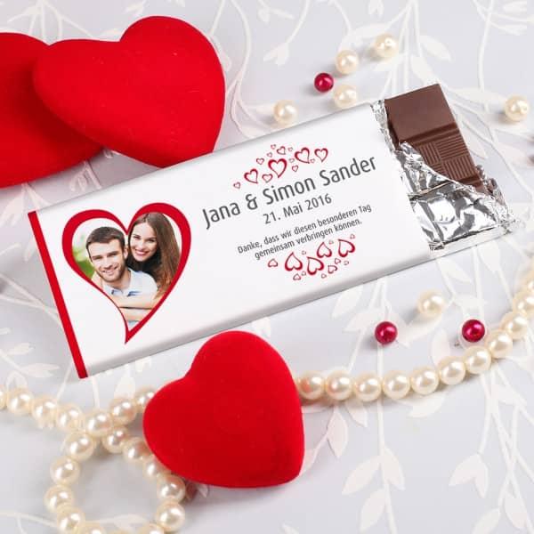 Gastgeschenk zur Hochzeit Schokolade mit Herzen Foto und Wunschtext