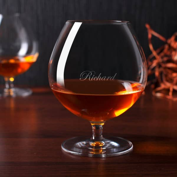 Graviertes Weinbrandglas mit Ihrem gewünschten Namen