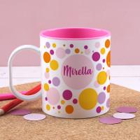Gepunktete Kunststofftasse für Mädchen mit Ihrem Wunschnamen