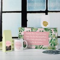 Geschenkset mit Tee, Tasse und Windlicht in Geschenkbox