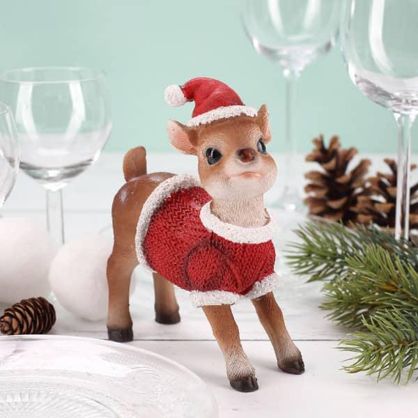 Reh mit Weihnachtsmütze stehend (12 cm)