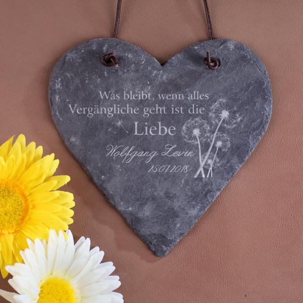 Schieferplatte in Herzform mit Spruch, Name und Datum