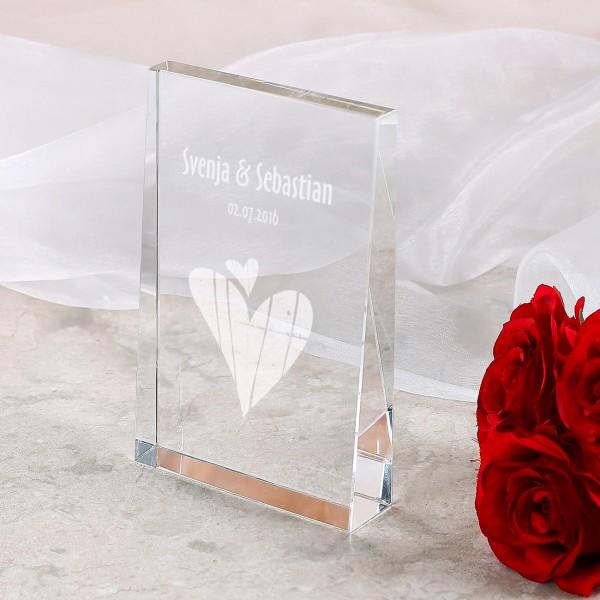 Konischer Glasblock zur Hochzeit mit Namen und Datum