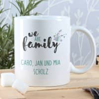 We are family - Tasse mit 2 Zeilen Wunschtext