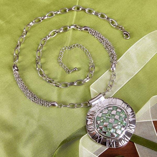 Halskette in grün