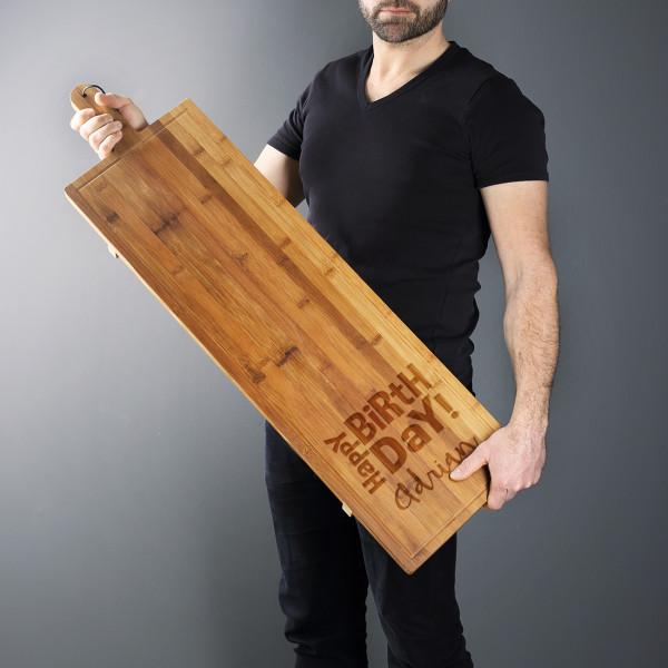 1 Meter Servierbrett aus Bambus graviert mit Name zum Geburtstag