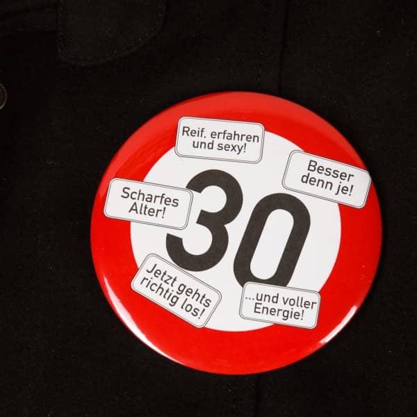 XXL Button Verkehrszeichen 30