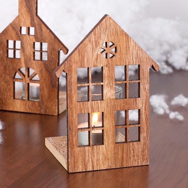 Holzhaus mit Teelichthalter aus Glas