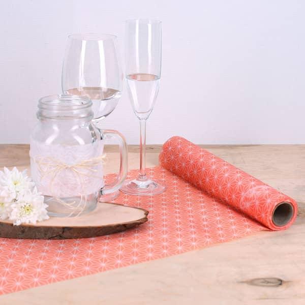 Tischläufer mit modernen Muster