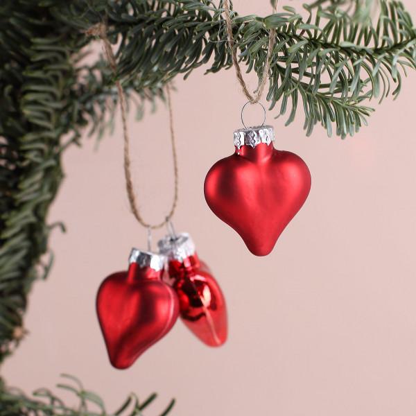 kleine Herzen als Weihnachtsbaumschmuck