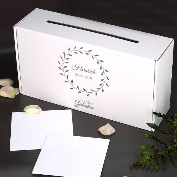 Bedruckte Kartenbox im schlichten Design