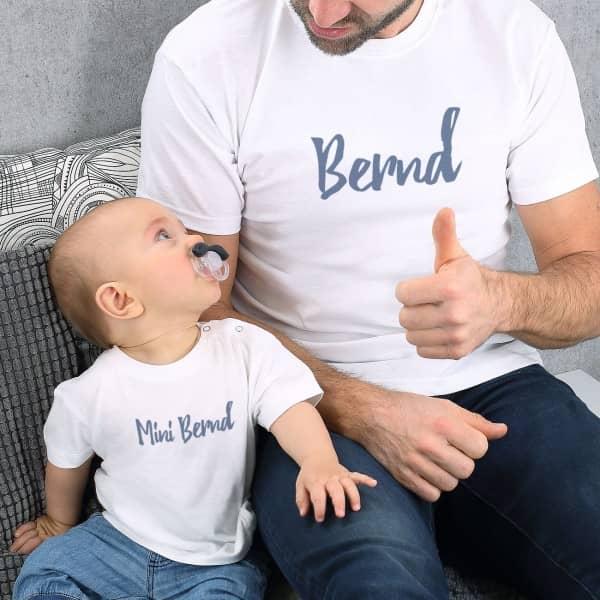 Weiße T-Shirts im Set Vater und Sohn