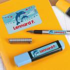 Schulaufkleber in drei Größen, mit Delfinen und Name