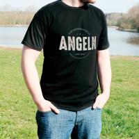 Es gibt wichtigeres als... T-Shirt mit Ihrem Wunschtext