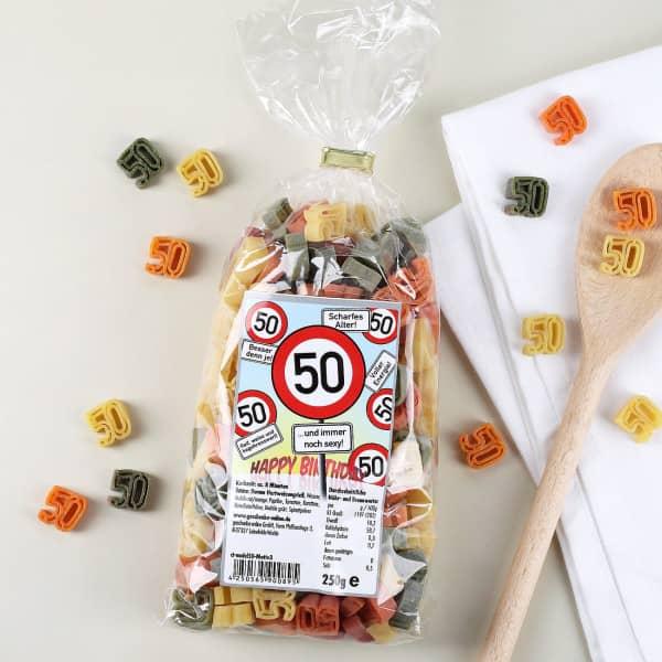 Zahlen-Nudeln zum 50. Geburtstag (Verkehrsschild)