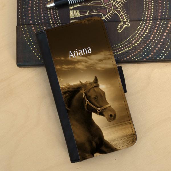 Flipcase mit tollem Pferdemotiv und Ihrem Wunschnamen