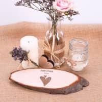 Holzdekoration zur Hochzeit mit Gravur