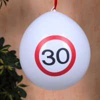 8 Luftballons Verkehrsschild 30