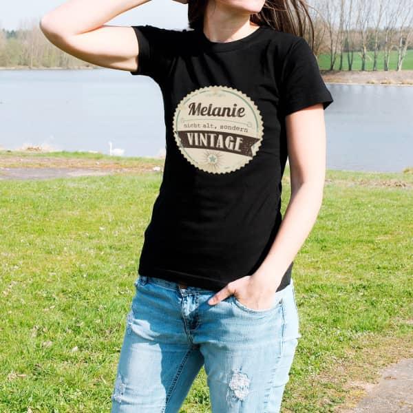 Damen T-Shirt nicht alt, sondern vintage.