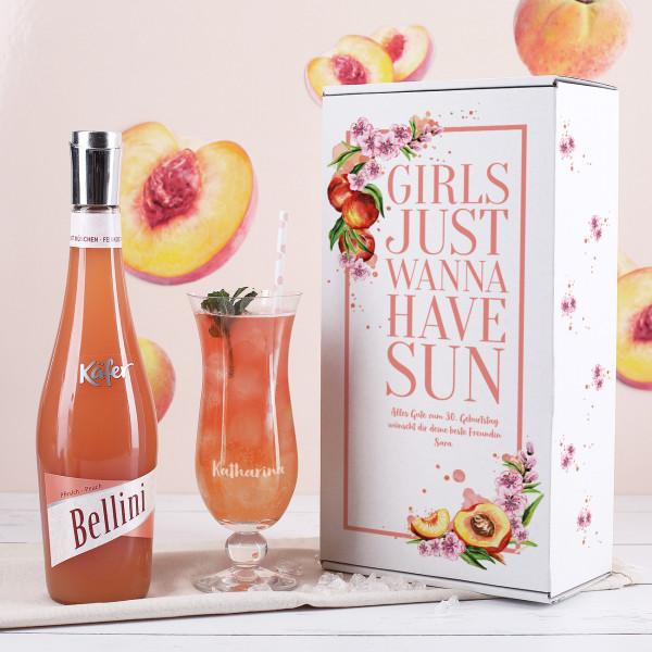 Sommerliches Pfirsichlikör Set für Frauen mit Cocktailglas und Name