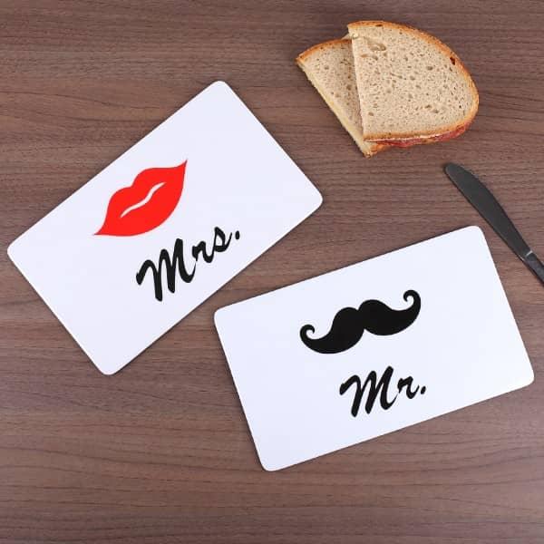 Frühstücksbrettchen in weiß mit Mr. & Mrs. Motiv