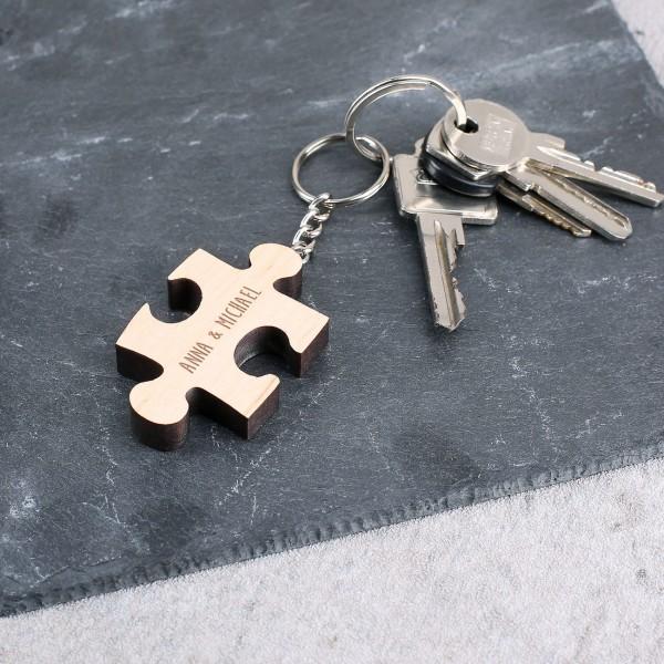 Holzanhänger in Puzzleform mit Gravur Ihrer Namen