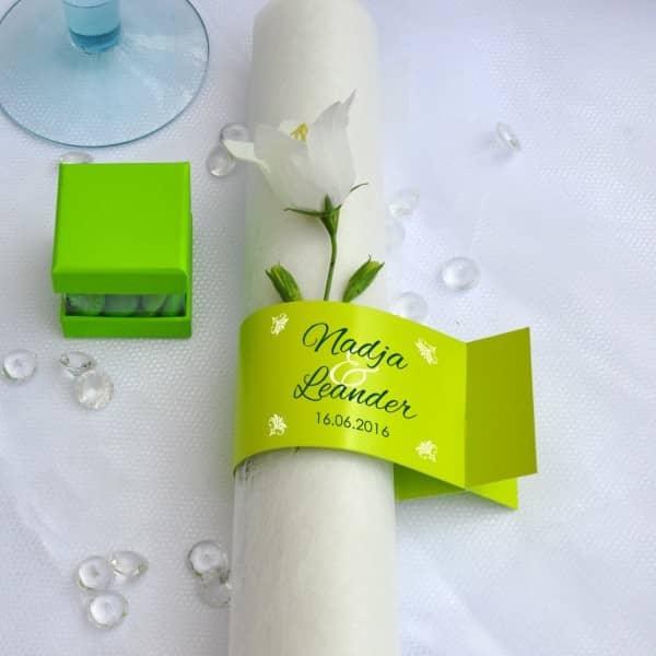 Serviettenring zur Hochzeit in grün mit Namen