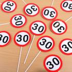 Verkehrsschilder mit 30 in Mini